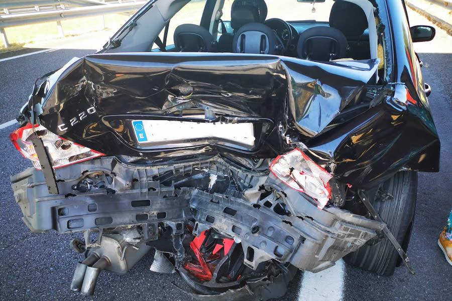 Se puede reparar un coche declarado siniestro total